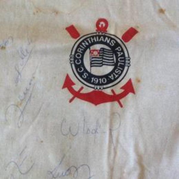 Camisa penalty corinthians autografada por socrates e