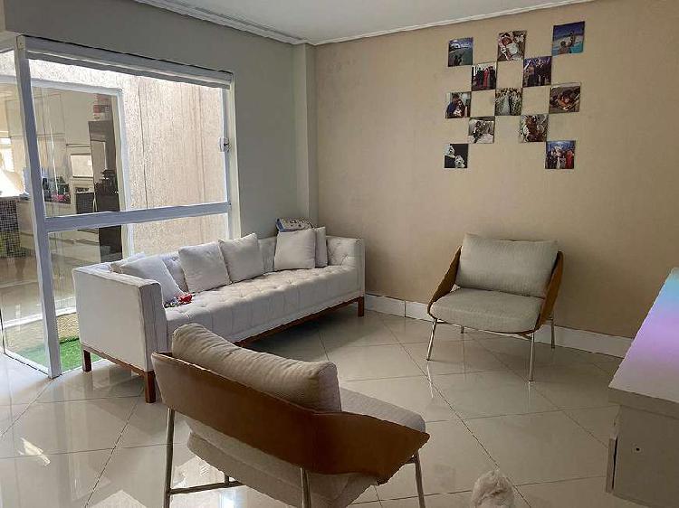 Casa para venda com 180 metros quadrados com 3 quartos