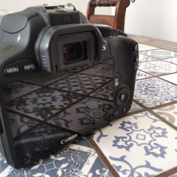 Câmera Cânon Eos Kiss X7 (EOS Rebel SL1 (US), EOS 100D)