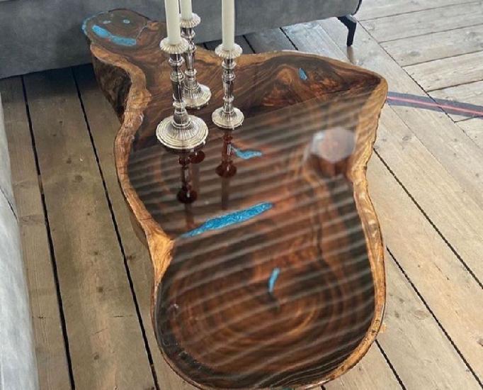 Mesa de centro rústica com resina epóxi!