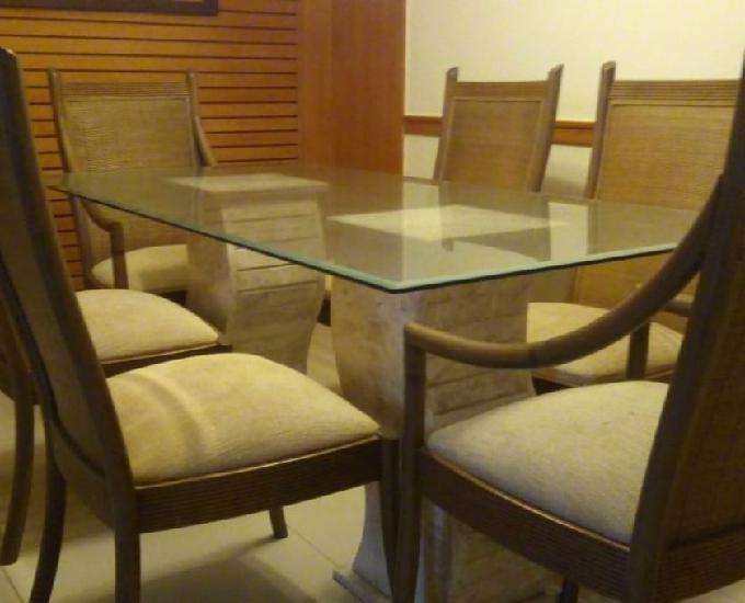 Vendo mesa com seis cadeiras lindíssimas