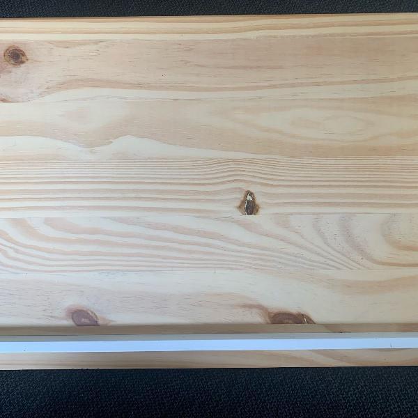 Suporte de madeira para livro ou computador
