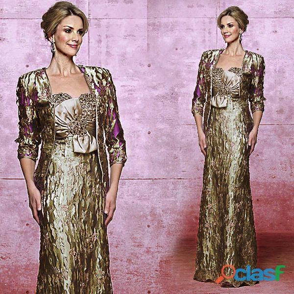 Vestido dourado em detalhes, mãe de noivo
