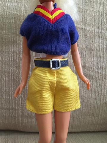 Barbie antiga apenas a roupinha