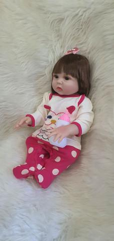 Bebê reborn com enxoval luxo e faz xixi.