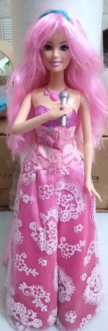 Boneca barbie cantora pop star