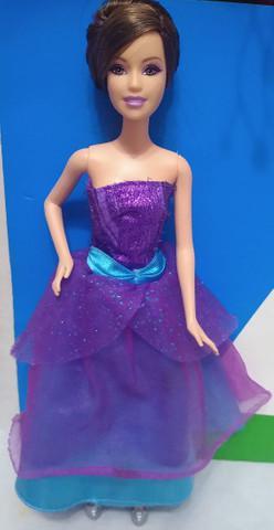 Boneca barbie alicia estilista moda e magia