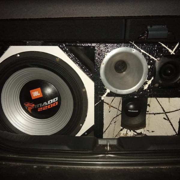 Caixa de som completa - tornado 2200