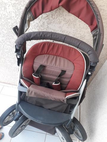Carrinho de bebê gêmeos chicco together