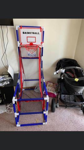 Jogo de basquete infantil