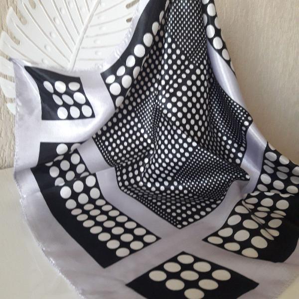 Lenço cetim seda poás preto e branco