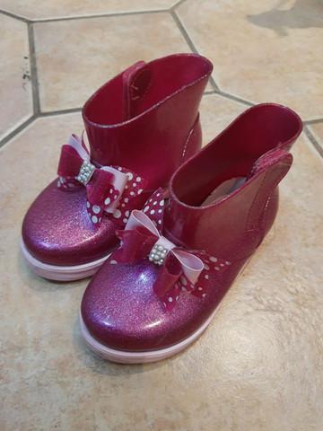Sandália infantil nova - valor individual na descrição