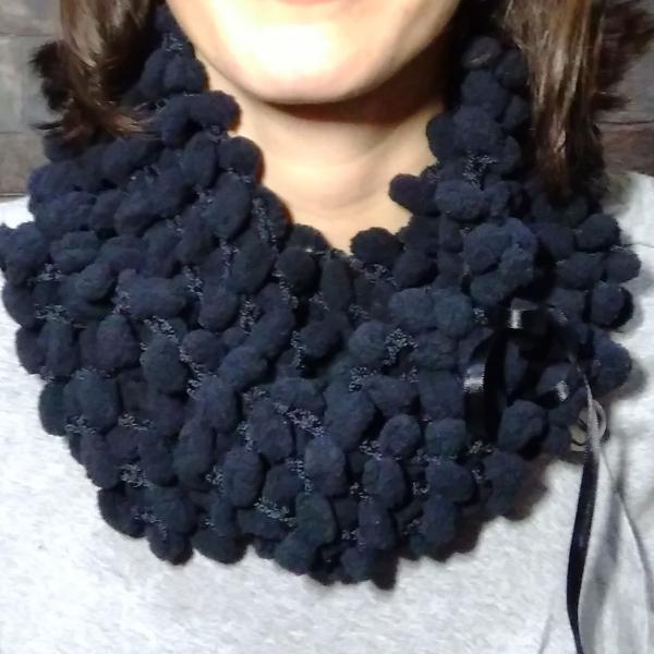 Cachecol/gola de lã pompom