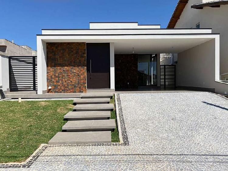 Casa de condomínio para venda tem 192 metros quadrados com