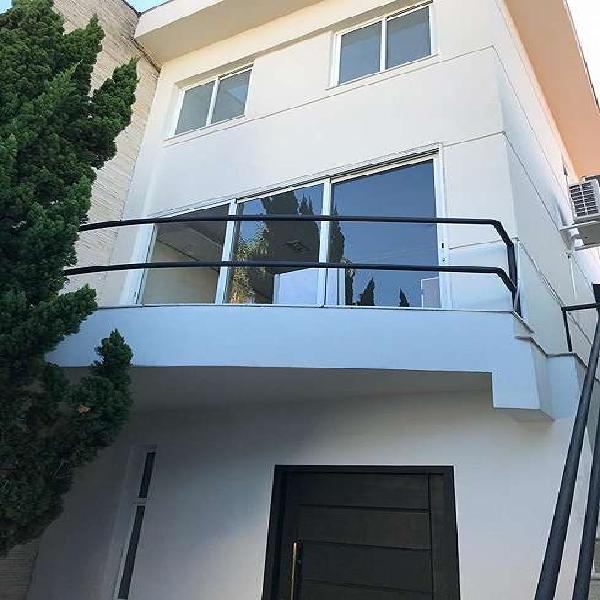Casa para venda com 350 metros quadrados com 4 quartos em