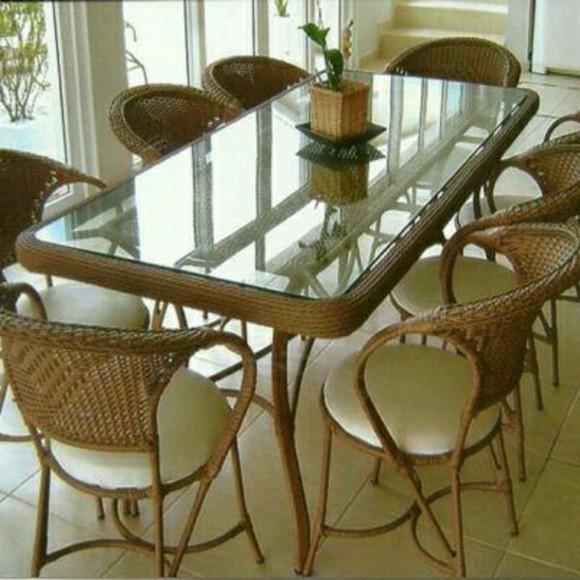 Jogo de mesa retangular com 8 cadeiras estrutura de
