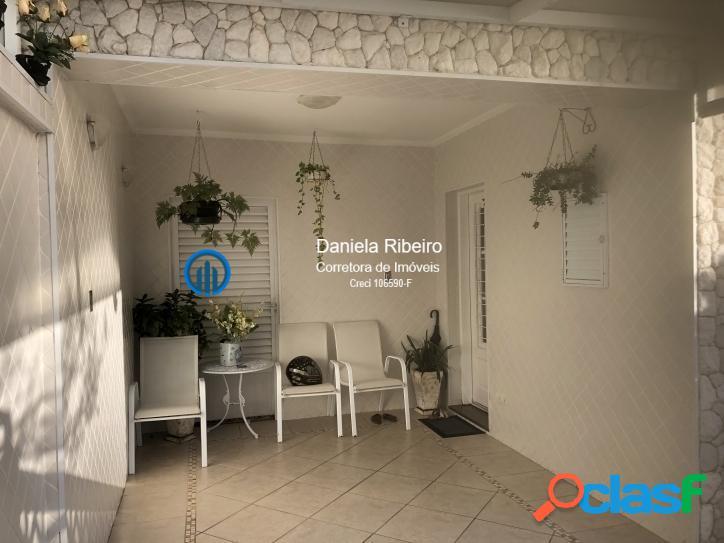 Sobrado - 3 dormitórios (1 suite), 3 vagas, quintal e churrasqueira