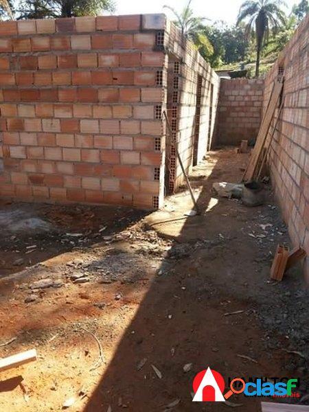 Sítio de 6 mil m2 com casa em construção 1