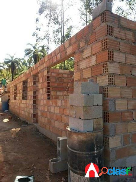 Sítio de 6 mil m2 com casa em construção 2