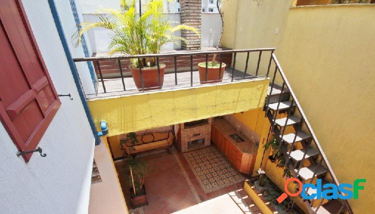 Linda casa de vila à venda em pinheiros na rua alves guimarães