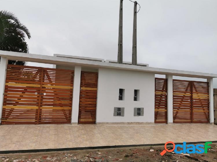 Casa nova ótimo acabamento localização próximo a praia itanhaém s/p