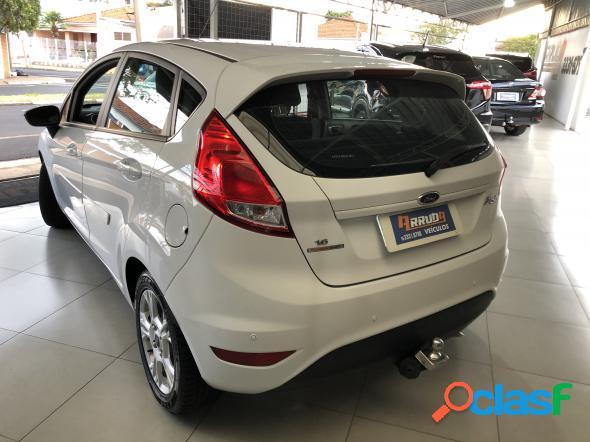 Ford fiesta 1.6 16v flex aut. 5p branco 2014 1.6 flex
