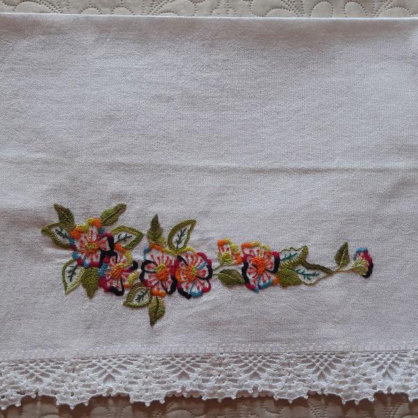 Pano de copa - bordado flores - artesanal