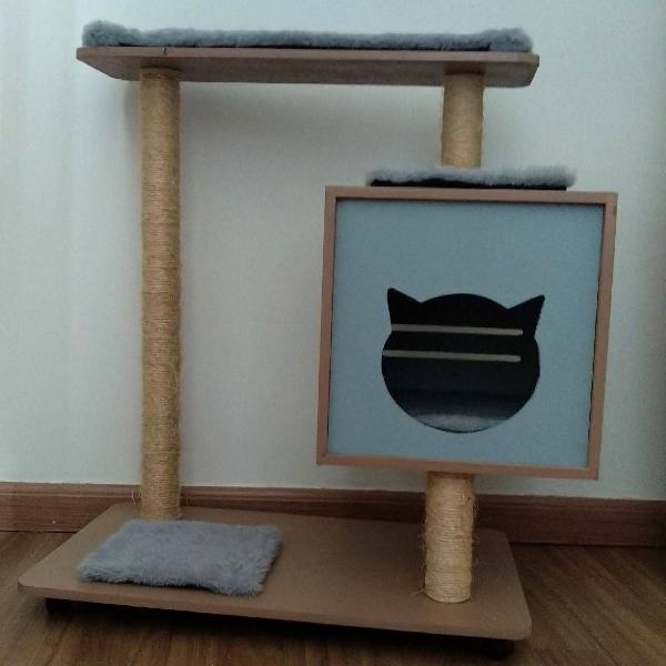 Arranhador/casa para gatos