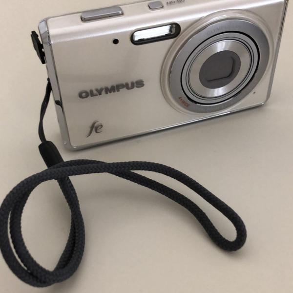 Câmera digital olympus fe 1 megapixels