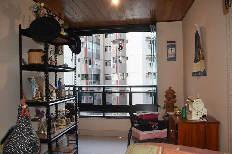 Apartamento para venda possui 160 metros quadrados com 4