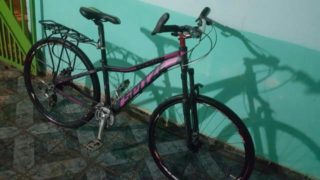 Bicicleta aro 29 semi-nova com nota fiscal whatsapp 95 03