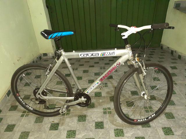 Bike semi nova e conservada