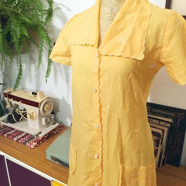 Camisola vintage amarelinha