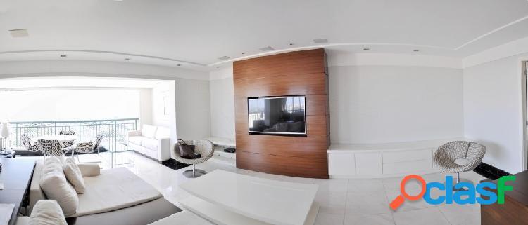 Apartamento mobiliado com 4 quartos e 4 vagas para locação