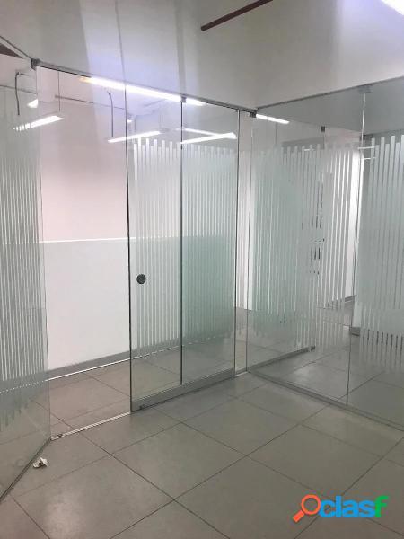Alquilo oficina implementada centro empresarial el trigal - surco