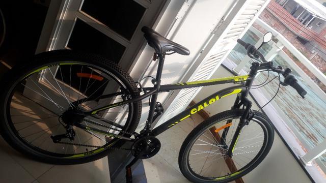 Bicicleta caloi aro 29 velox 21 marchas preta - semi-nova