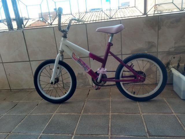 Bicicleta de criança menina usada