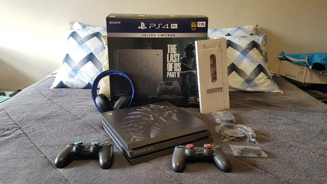 Playstation 4 pro edição the last of us 2 + headset sony