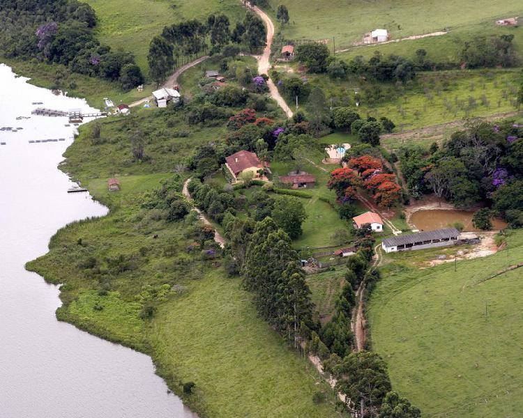 Fazenda/sítio/chácara para venda possui 696000 metros