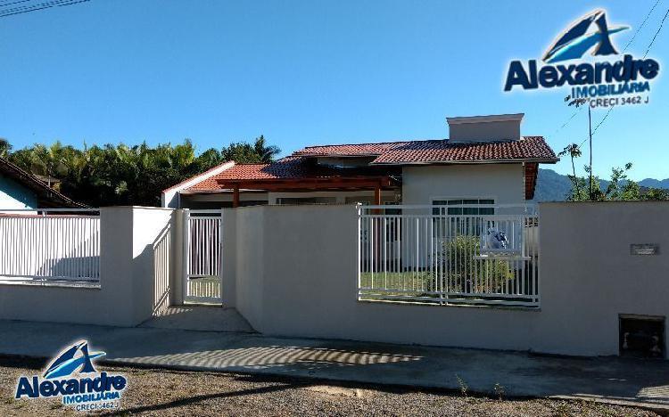 Casa à venda no centro - schroeder, sc. im181050