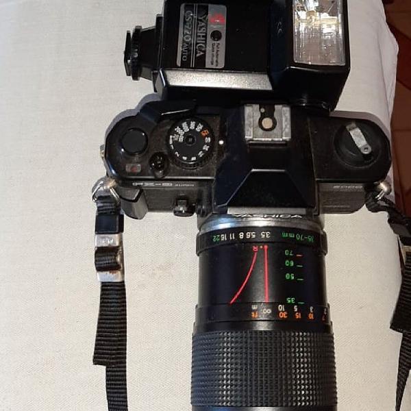 Máquina fotográfica profissional yashica