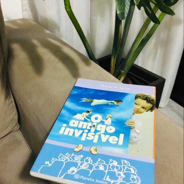 Livro o amigo invisível autor: marisa letícia