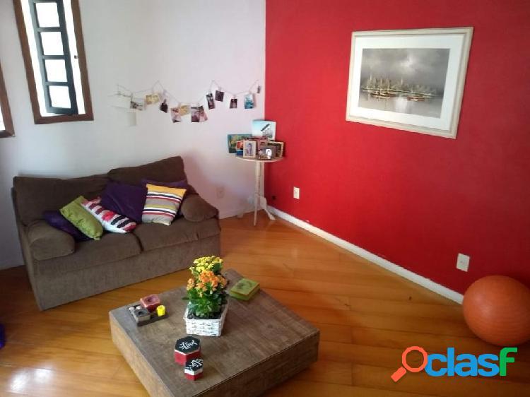 Ótima Casa Duplex com 4 Quartos, Terraço e Garagem Coberta - Vila Valqueire 2