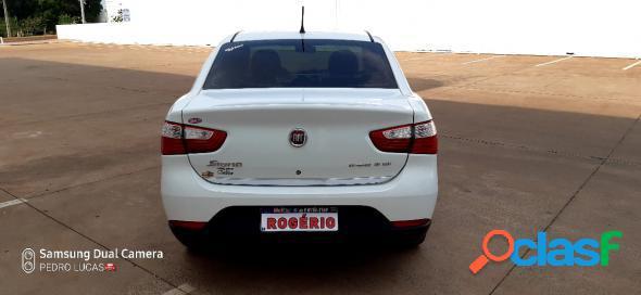 Fiat grand siena essence dual. 1.6 flex 16v branco 2013 1.6 flex