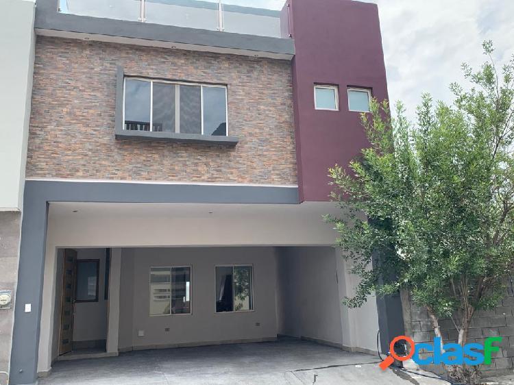 Casa en venta en residencial la huasteca santa catarina
