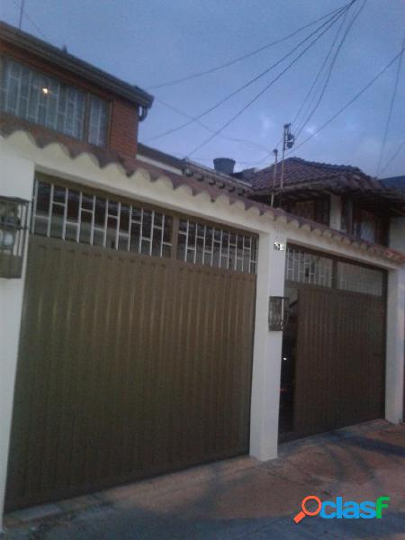 Vendo casa familiar amplia en el barrio en la europa
