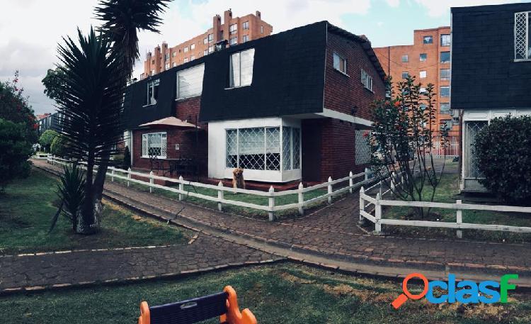Vendo casa residencial amplia en urbanizacion modelia