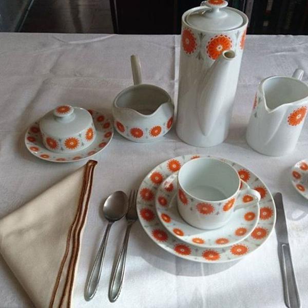 Aparelho de café e chá renner anos 70.