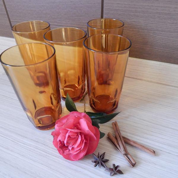 Conjunto de 5 copos retrô vidro marrom da marca nadir