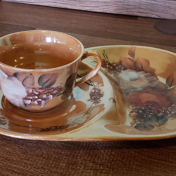 Conjunto de porcelana pintado a mão